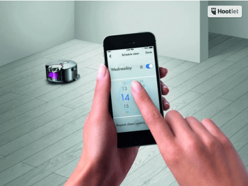 aspirator controlat de telefon dyson