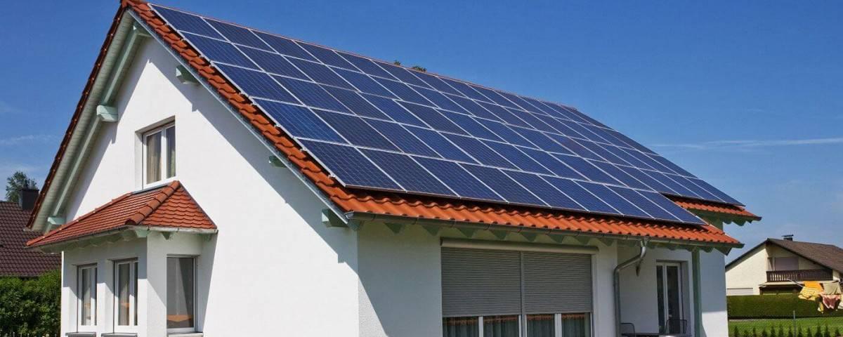 panouri-solare-fotovoltaice-casa-acoperis (1)