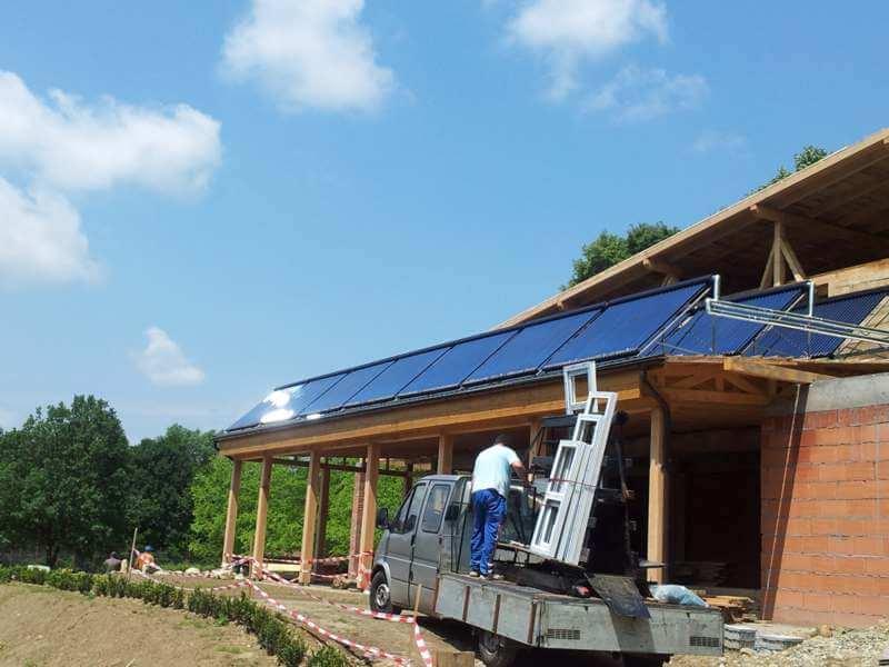 Complex-La-Nuci-MM-panouri-solare-termice
