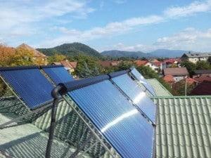 panouri solare termice acoperis casa