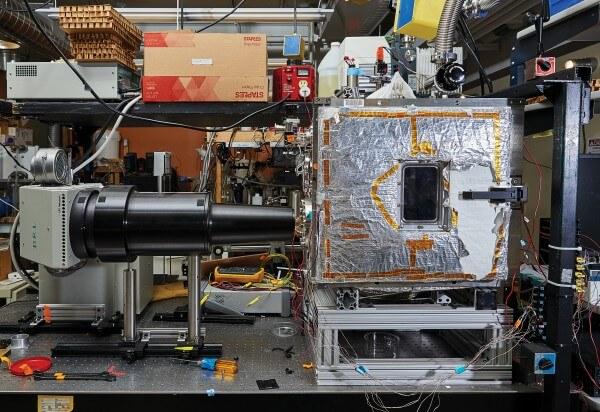 camera vacuum cercetare panouri solare