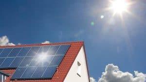 numar panouri solare