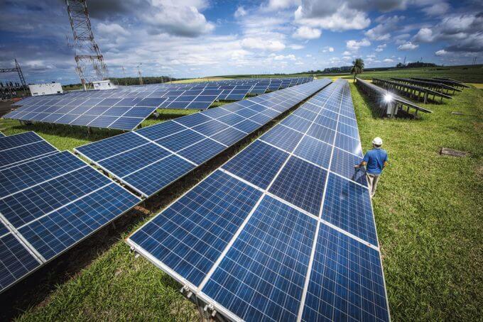 curatare panouri solare