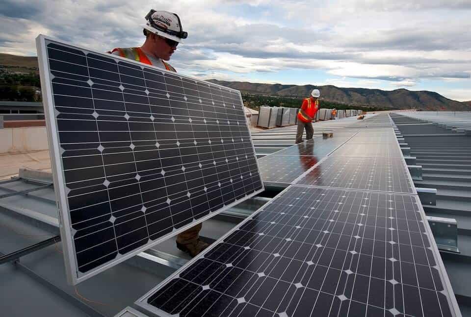 instalarea panourilor solare